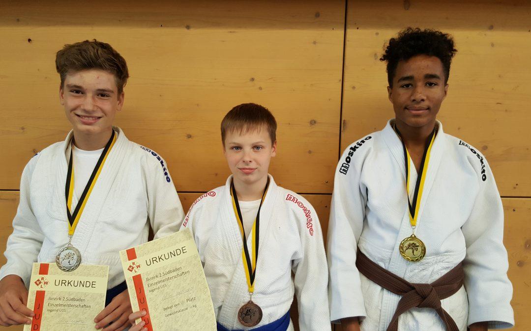 Gold, Silber und Bronze bei den Judo Bezirksmeisterschaften