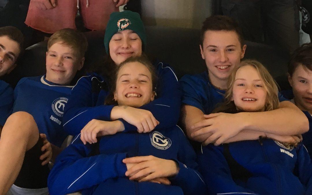 TVG-Schwimmer belohnen ihren Trainingsfleiß mit Medaillen und tollen Bestzeiten