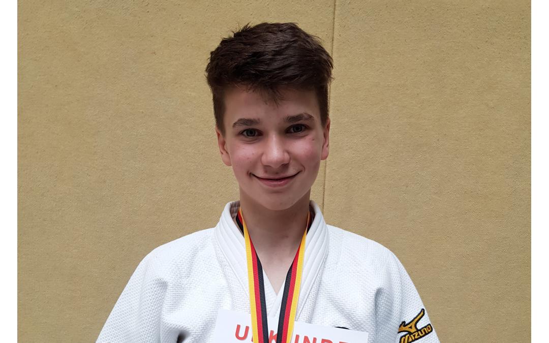 Max Düsterdiek gewinnt Bundesoffenes Judo Turnier